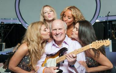 When legendary NFL quarterback Terry Bradshaw steps onstage at The Mirage on Friday night to make his Las Vegas show debut, he ...
