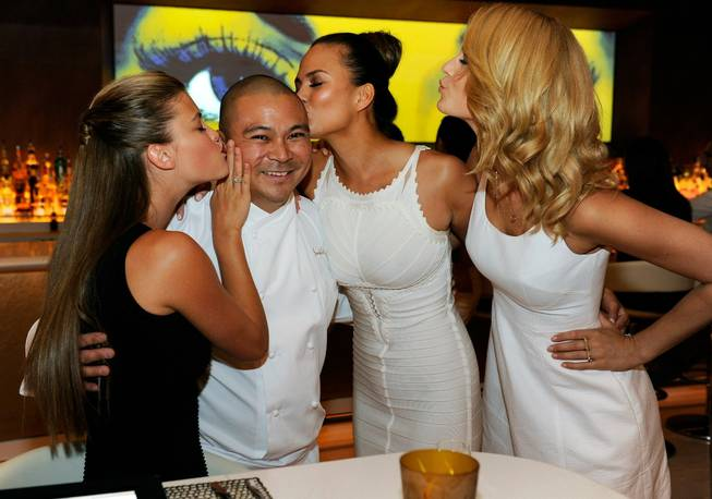 Nina Agdal, executive chef Joseph Elevado, Chrissy Teigen and Kate ...