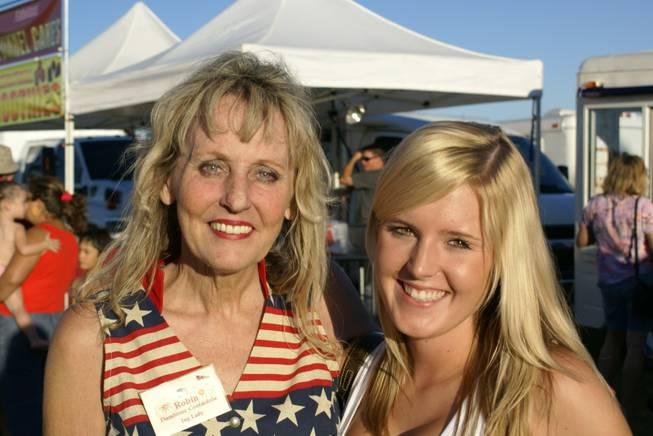 Robin Reese with her daughter Sheena at the 2009 Damboree