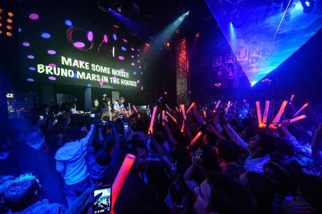 Bruno Mars hosts and parties at Tao in the Venetian ...