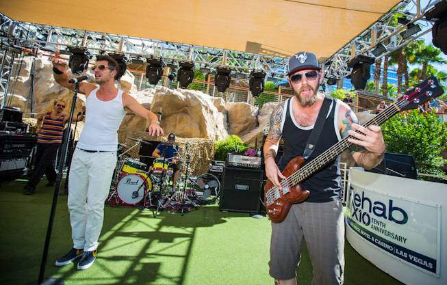 311 performs at Rehab at the Hard Rock Hotel Las ...
