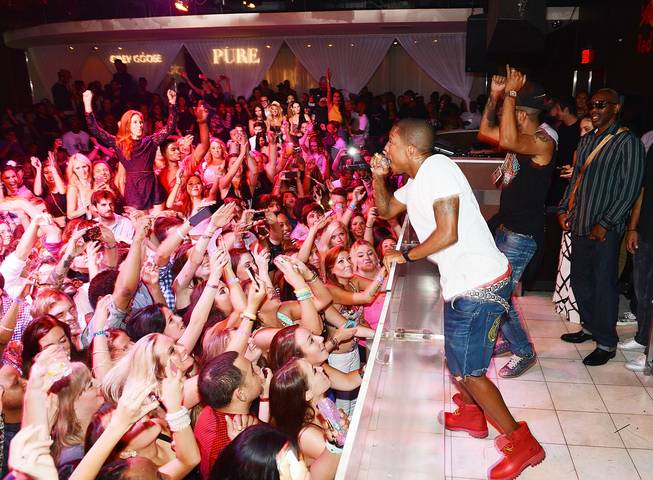 Pharrell Williams and Swizz Beatz perform at Pure in Caesars ...