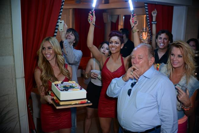 Robin Leach celebrates his birthday at Andrea's, Encore Beach Club ...