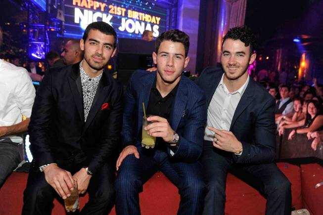 Joe Jonas, Nick Jonas and Kevin Jonas celebrate Nick Jonas' ...
