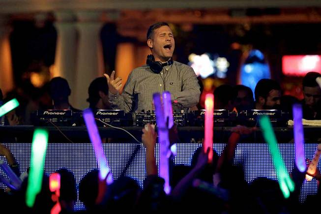 DJ Kaskade debuts at XS on Friday, Oct. 11, 2013, ...