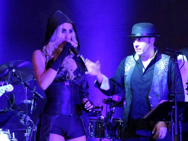 Savannah Smith and David Perrico perform during the showcase for BBR at T Spot in Tuscany Suites on Thursday, Nov. 26, 2013.
