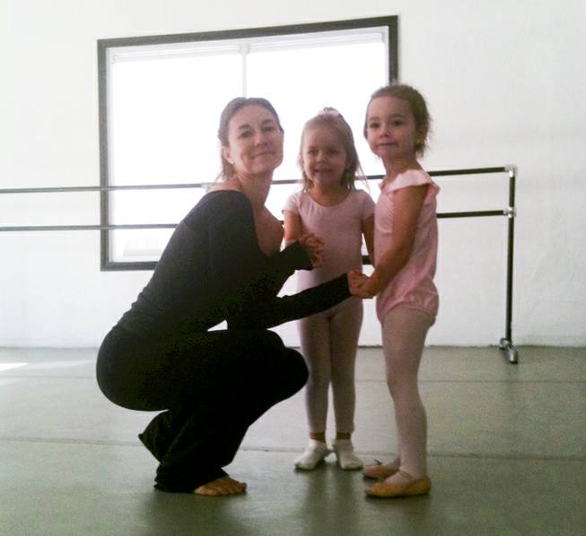 Welthy Silva with her young students at Las Vegas Ballet school.