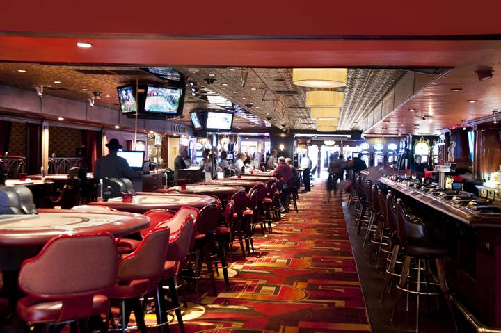 Golden Gate Casino Bar