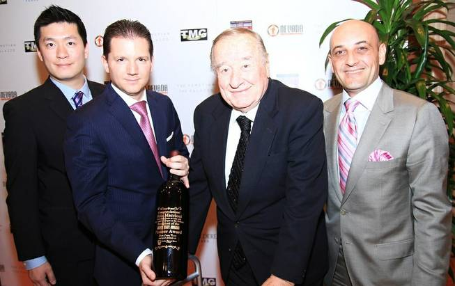 Sirio Maccioni, second from right, received the Pioneer Award at ...
