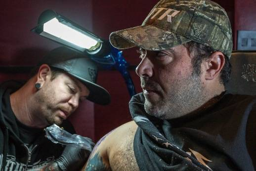 Aaron Lewis gets inked at Hart & Huntington Tattoo in Hard Rock Hotel Las Vegas.