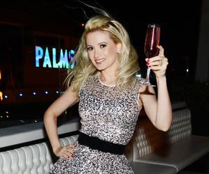 Holly Madison's Birthday at Moon and N9NE Steakhouse