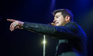 Robin Thicke performs at Pearl at the Palms on Sunday, Dec. 29, 2013, in Las Vegas.