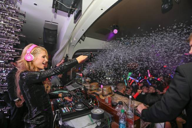 Paris Hilton makes her Strip debut as a DJ on ...
