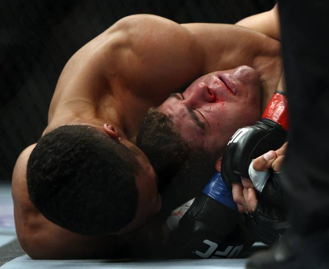 Al Iaquinta, right, and Kevin Lee fight during the second round of a UFC 169 lightweight mixed martial arts bout in Newark, N.J., Saturday, Feb. 1, 2014. Iaquinta won by unanimous decision.