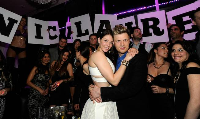 Nick Carter and Lauren Kitt celebrate their joint bachelor and ...