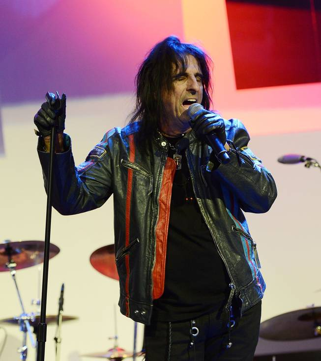 "Alice Cooper performs during the Kerry Simon ""Simon Says Fight MSA"" benefit concert at the Keep Memory Alive Center in Las Vegas on Feb. 27, 2014."