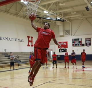 Findlay Prep's Rashad Vaughn dunks during practice Tuesday, March 18, 2014.