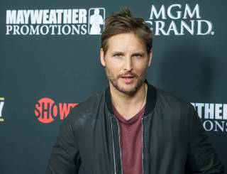 Peter Facinelli arrives at the red carpet for Floyd Mayweather Jr. vs. Marcos Maidana on Saturday, May 3, 2014, at MGM Grand Las Vegas.