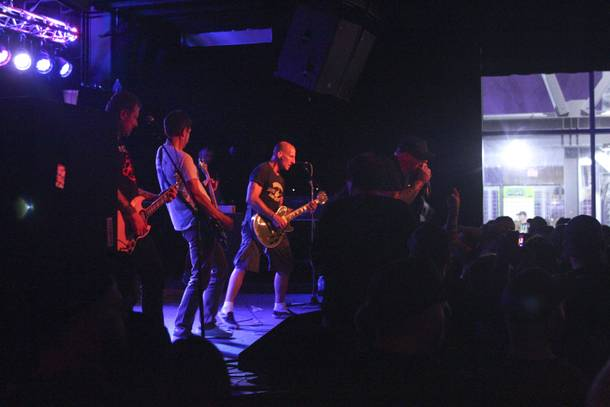 http://lasvegasweekly.com/ae/music/2014/may/24/punk-rock-bowling-report-friday-nights-kickoff/