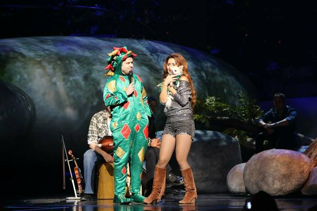 Shania Twain, Piff the Magic Dragon and Mr. Piffles at ...