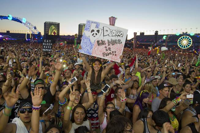 Music fans pack the kineticFIELD during the final day of the 2014 Electric Daisy Carnival (EDC) at the Las Vegas Motor Speedway Sunday, June 22, 2014.