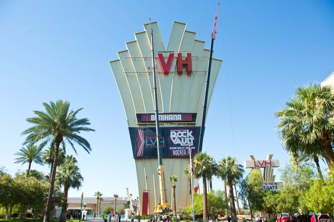 "The ""L"" has been lowered off the main sign of Westgate's newly purchased property, formerly the Las Vegas Hotel, Tuesday July 1, 2014."