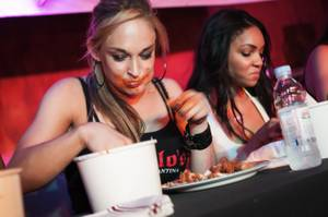 Hot Chicks vs. Hot Wings at Diablo's Cantina