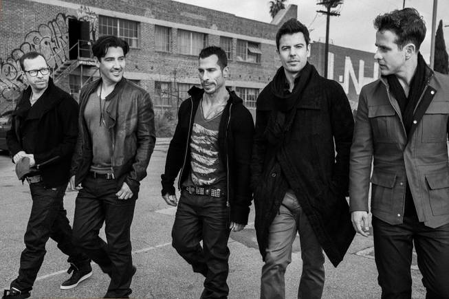 Donnie Wahlberg, Jonathan Knight, Danny Wood, Jordan Knight and Joe ...