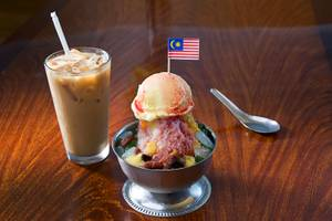 Asian Desserts: Ice Kacang with Ice Cream
