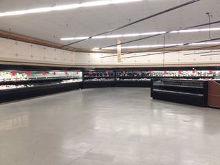 The Albertsons grocery store at Green Valley Parkway and Sunset Road, as seen Aug. 20, 2014, is shutting down.