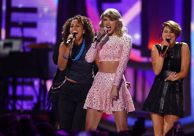 2014 iHeartRadio Festival: First Night