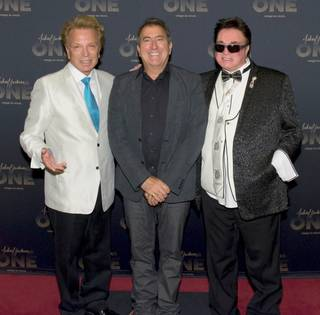 Siegfried & Roy are shown with director Kenny Ortega (