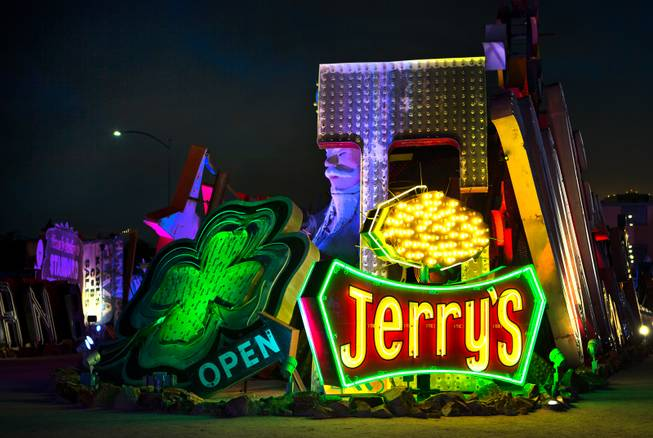 [Image: 20141204_Sun_Neon_Holiday_Display_LE3_t653.jpg]