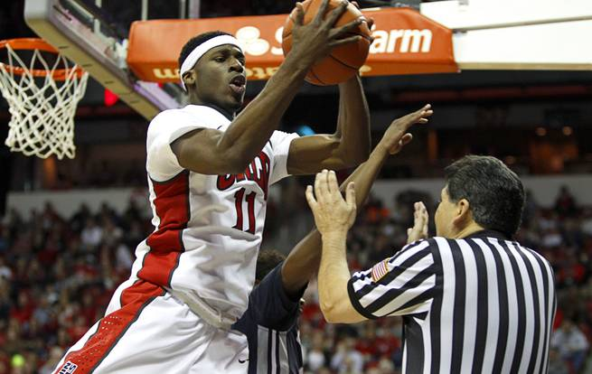 Injured Okonoboh leads Rebels to payback 67-62 victory at UNR