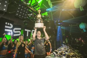 Tiesto Toasts Grammy Win at Hakkasan