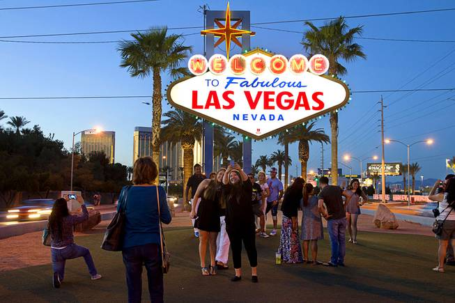 Survey Describes Las Vegas Average Tourist