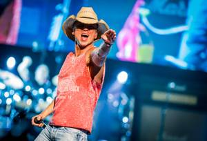 Kenny Chesney Big Revival Tour: 4/3/15