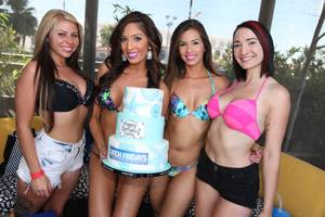 Farrah Abraham 24th Birthday at Ditch Fridays