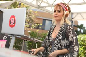 Taryn Manning Hosts Ditch Fridays