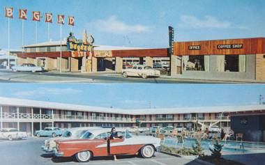 Las Vegas history, through retro postcards: Sifting through Bob Stoldal's massive collection.