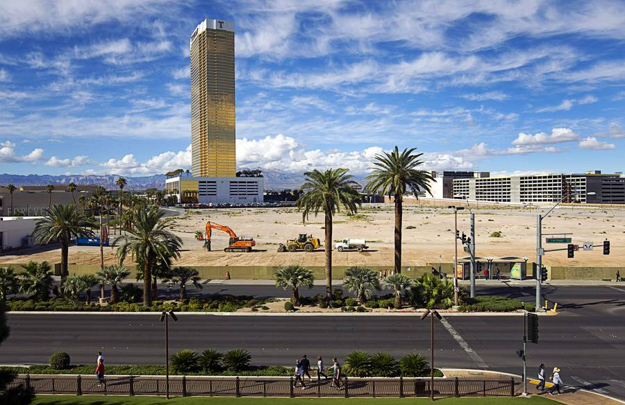 A view of the former New Frontier casino site Tuesday, Nov. 3, 2015, on Las Vegas Boulevard South. Alon Las Vegas, a hotel-casino project led by Australian businessman James Packer and former Wynn Resorts executive Andrew Pascal, is planned for the site.