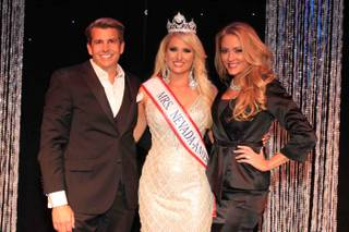 Mrs. Summerlin Lauren Cahlan of Wicked Creative PR is crowned 2016 Mrs. Nevada America on Sunday, Feb. 28, 2016, at Suncoast. Cahlan is flanked here by her parents, Bob Barnhardt and Jill Barnhardt.