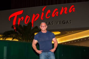 "Say this for Robert Irvine: When he hangs out at the Trop, he really hangs out at the Trop. The star chef who hosts Food Network's ""Restaurant: Impossible"" made the ultimate delivery order Monday ..."