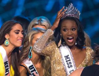 Miss District of Columbia Deshauna Barber is crowned Miss USA during the Miss USA Pageant at T-Mobile Arena on Sunday, June 5, 2016, on the Las Vegas Strip.