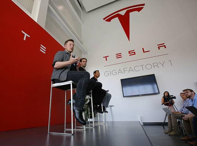 Tesla postpones details on Autopilot update