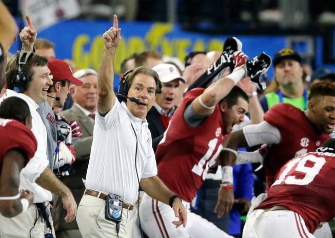 Alabama No. 1, Clemson second in AP poll