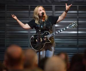 Melissa Etheridge at Fremont Street Experience