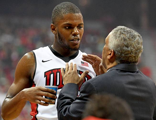 UNLV, Wyoming light it up as Rebels prevail 69-66 in 3OTs