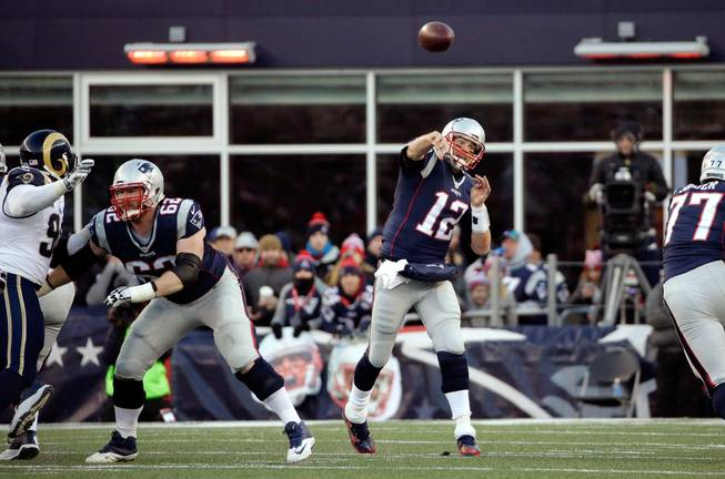 Patriots set tone in win over Rams