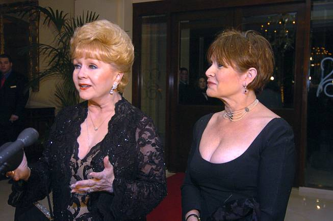 Virtually Attend Carrie Fisher and Debbie Reynolds Memorial